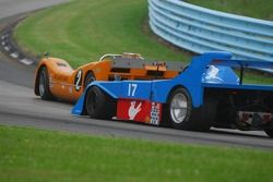 #2- McLaren M6B de Robert Ryan #17- James Freeman Matich SR-3.