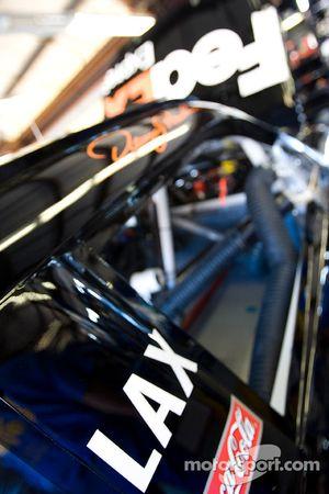 #11 FedEx Toyota dans le garage