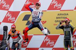 Podio: il vincitore della gara Jorge Lorenzo, Fiat Yamaha Team, il secondo classificato Andrea Dovizioso, Repsol Honda Tea