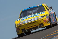 El Ford de Travis Kvapil, Front Row Motorsports con Yates Racing