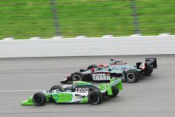 Ryan Hunter-Reay, Andretti Autosport passeert Dan Wheldon, Panther Racing