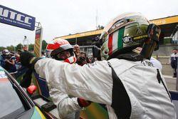 Winner Jordi Gene, SR - Sport, Seat Leon 2.0 TDI and Gabriele Tarquini, SR - Sport, Seat Leon 2.0 TD