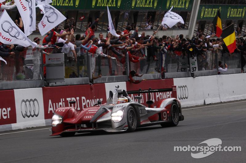 2010 - Audi R15+ : Mike Rockenfeller, Timo Bernhard, Romain Dumas