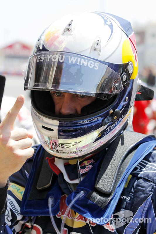 Autor de la pole position Sebastian Vettel, Red Bull Racing