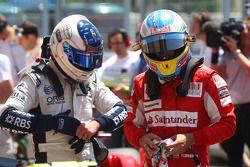 Rubens Barrichello, Williams F1 Team et Fernando Alonso, Scuderia Ferrari