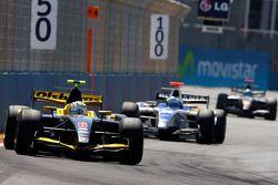 Marcus Ericsson leads Michael Herck
