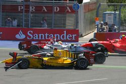 Crash at turn 2, start of the race, Oliver Turvey and Jerome d'Ambrosio
