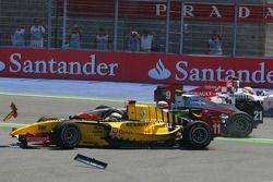 Crash at turn 2, start of the race, Jerome d'Ambrosio