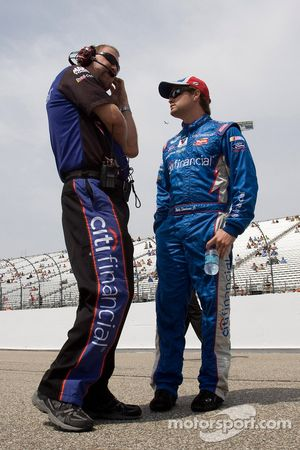 Ricky Stenhouse Jr. et chef d'équipe Mike Kelly