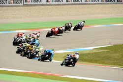 Start: Jorge Lorenzo, Fiat Yamaha Team leads the field