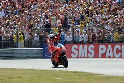 Derde plaats Casey Stoner, Ducati Marlboro Team