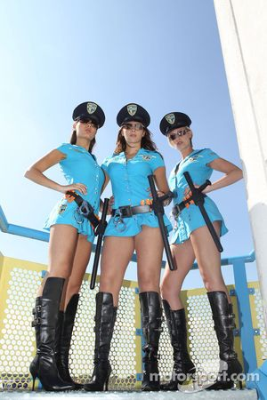 Las chicas Rizla Suzuki