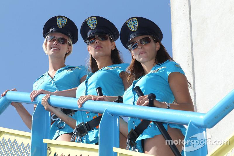 Rizla Suzuki girls