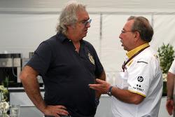 Flavio Briatore, Jean-Francois Caubet, director de Renault F1