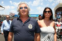 Flavio Briatore con Elisabetta Gregoraci, esposa de Flavio Briatore