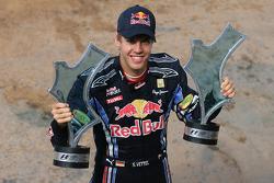 Race winner Sebastian Vettel, Red Bull Racing with his team