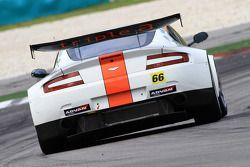 #66 triple a Vantage GT2: Hideshi Matsuda, Hiroki Yoshimoto of A speed