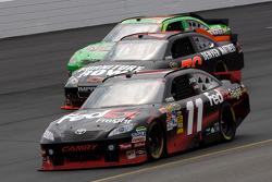 Denny Hamlin, Joe Gibbs Racing Toyota, Regan Smith, Furniture Row Racing Chevrolet, Kyle Busch, Joe Gibbs Racing Toyota