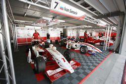 La F2 de Ivan Samarin dans le garage