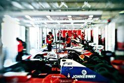 F2 pit garage