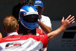 Race winner Jolyon Palmer celebrates with Jonathan Palmer, CEO MotorSport Vision