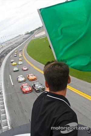 GT start: #30 Racers Edge Motorsports Mazda RX-8: Todd Lamb, Jordan Taylor and #70 SpeedSource Mazda