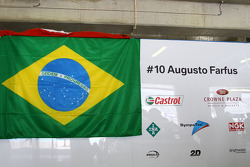 Augusto Farfus, BMW Team RBM, BMW 320si supporting the Brazilian football team