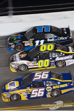 Martin Truex Jr., Michael Waltrip Racing Toyota, David Reutimann, Michael Waltrip Racing Toyota and Denny Hamlin, Joe Gibbs Racing Toyota