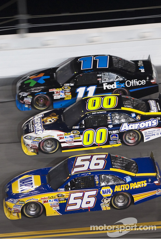 Martin Truex Jr., Michael Waltrip Racing Toyota, David Reutimann, Michael Waltrip Racing Toyota en Denny Hamlin, Joe Gibbs Racing Toyota