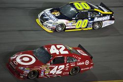 Juan Pablo Montoya, Earnhardt Ganassi Racing Chevrolet, David Reutimann, Michael Waltrip Racing Toyo