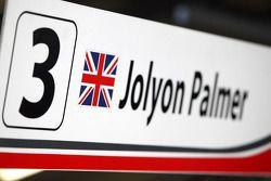 Jolyon Palmer pit sign