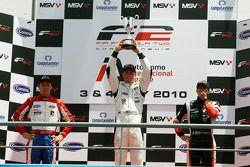 Podium: race winner Dean Stoneman, second place Jolyon Palmer, provisional third place Nicola de Marco