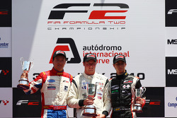 Podium: race winner Dean Stoneman, second place Jolyon Palmer, provisional third place Nicola de Mar
