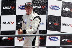Podium: race winner Dean Stoneman, second place Jolyon Palmer