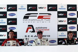 Post-race press conference: race winner Dean Stoneman, second place Jolyon Palmer, provisional third