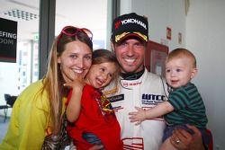 Tiago Monteiro, SR - Sport, Seat Leon 2.0 TDI met familie