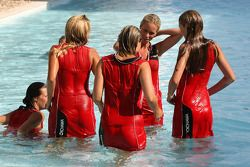 Grid girls take a swim