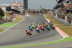 Start: Dani Pedrosa, Repsol Honda Team and Jorge Lorenzo, Fiat Yamaha Team battle for the lead