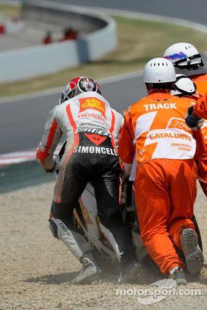 Marco Simoncelli, San Carlo Honda Gresini crashes