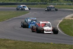 Dale Quarterley leads Todd Szegedy late in the race