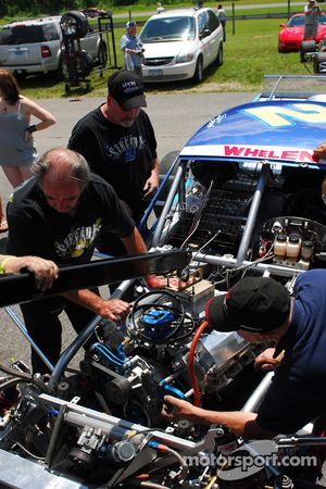 Crew Swaps the engine in Todd Szegedy Wisk/Snuggle NASCAR Whelen Modified