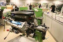 Двигатель Cosworth на фабрике Cosworth в Нортгемптоне