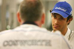 Mark Gallagher, algemeen manager van Cosworth's F1 Business Unit met Bruno Senna, Hispania Racing F1