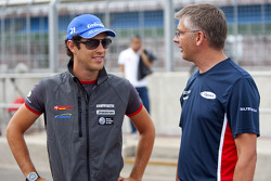 Bruno Senna, HRT F1 F110-02 talks with iSport engineer Richard Selwin