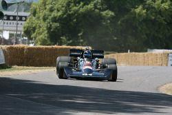 1976 Williams Cosworth FW05: Roger Willis