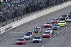 Start: Jamie McMurray, Earnhardt Ganassi Racing Chevrolet en Jimmie Johnson, Hendrick Motorsports Ch