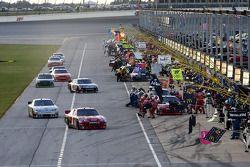 Jamie McMurray, Earnhardt Ganassi Racing Chevrolet heads down pit road