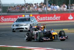 Sebastian Vettel, Red Bull Racing met lekke band