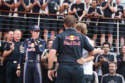 Equipo Red Bull Racing celebran victoria de la carrera de Mark Webber, Red Bull Racing, Mark Webber,