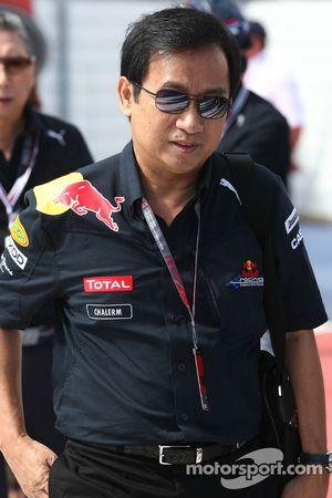 Chaleo Yoovidhya tailandés socio de Dietrich Mateschitz Director General y fundador de Red Bull